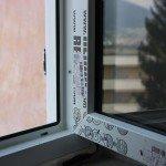 Montaggio finestre Rehau ristrutturazione-telaio-vecchia-finestra telaio-lato-ds-finestra-Rehau-schiumato